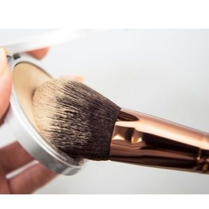 luxie 660 precision foundation brush rose gold